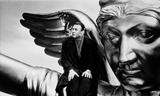 Bruno Ganz sits atop the Siegessäule in 'Wings of Desire'
