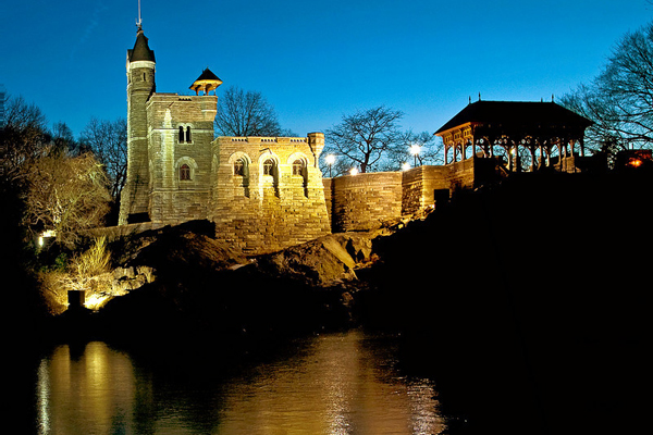 belvedere-castle-at-night