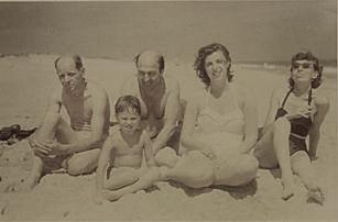 Jackson Pollock, Clement Greenberg, Helen Frankenthaler and Lee Krasner at a beach, July 1952.
