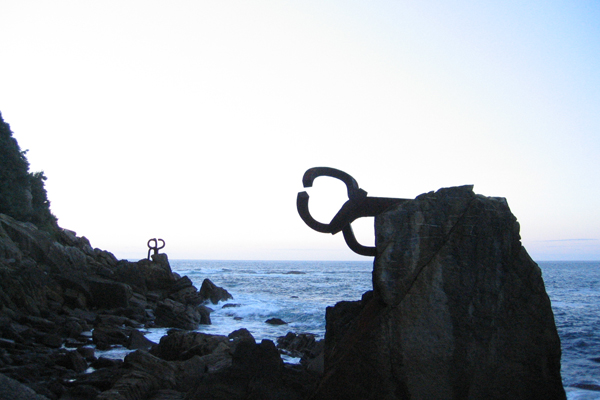 Wind combs: Peine de los vientos sculptures of Eduardo Chillida at the base of the Igueldo mountain